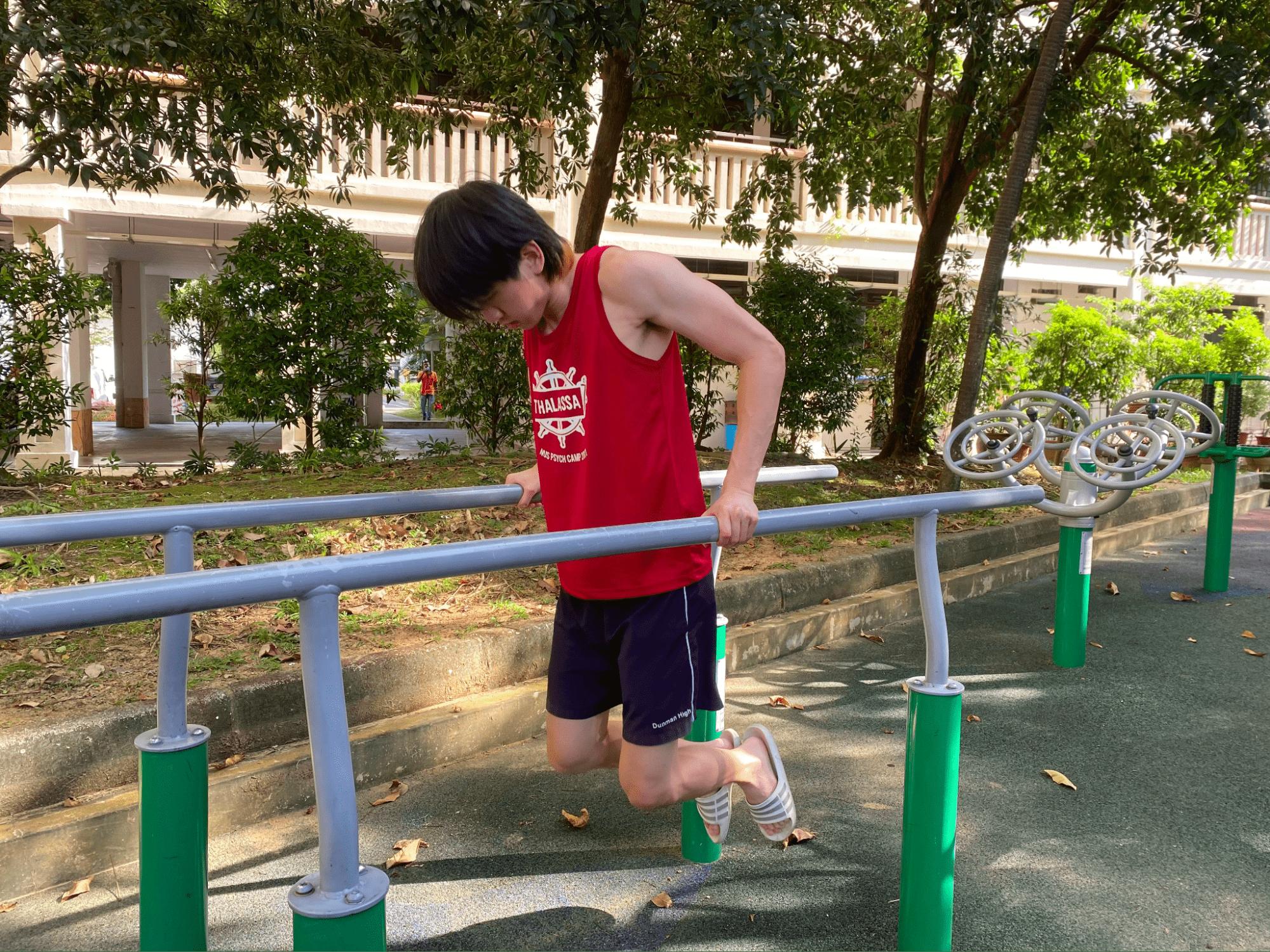 fitness corner - dips