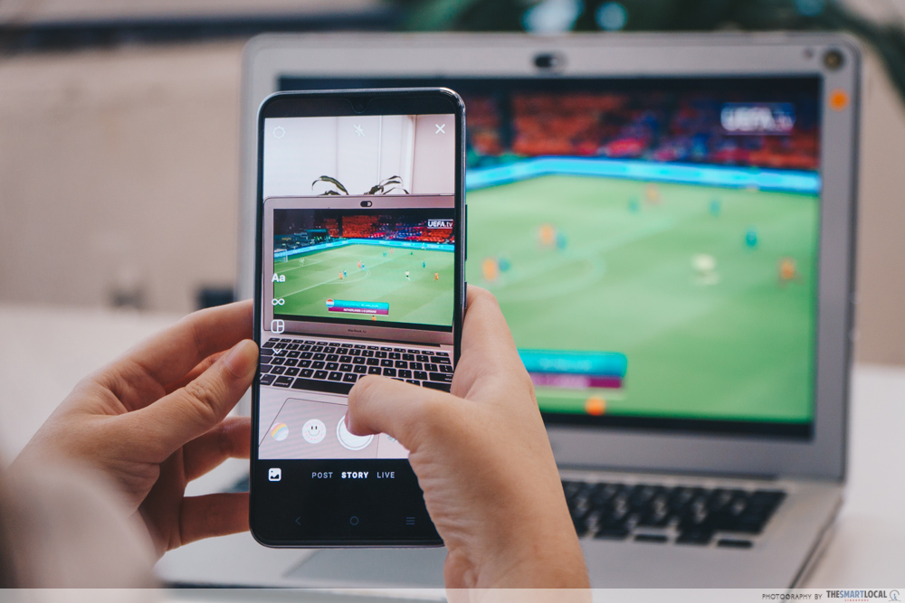 Staying Up Late (7) - vivo v21 5G, watching soccer
