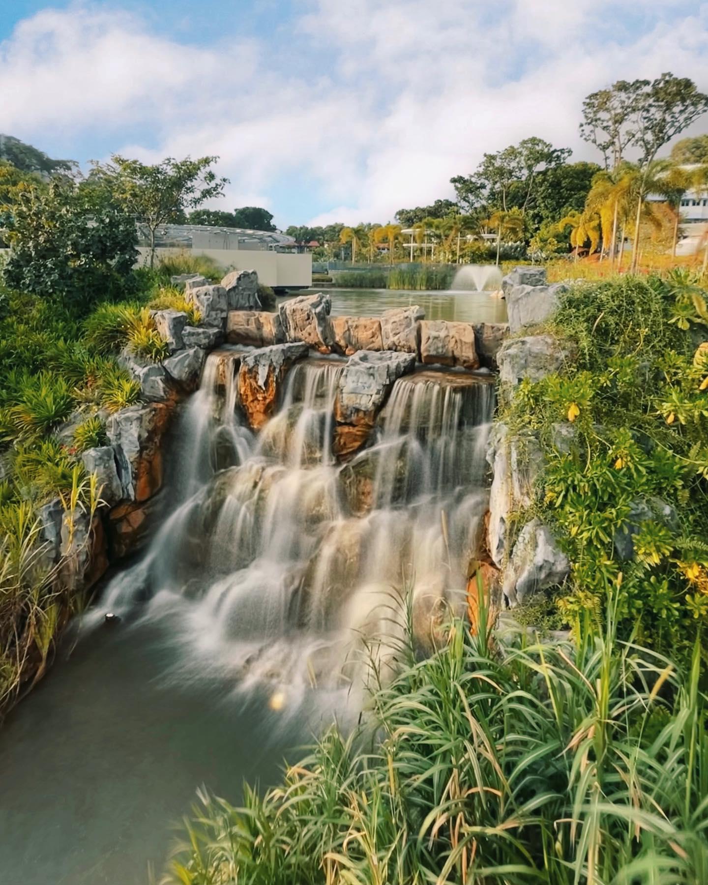 Yunnan Gardens Waterfall
