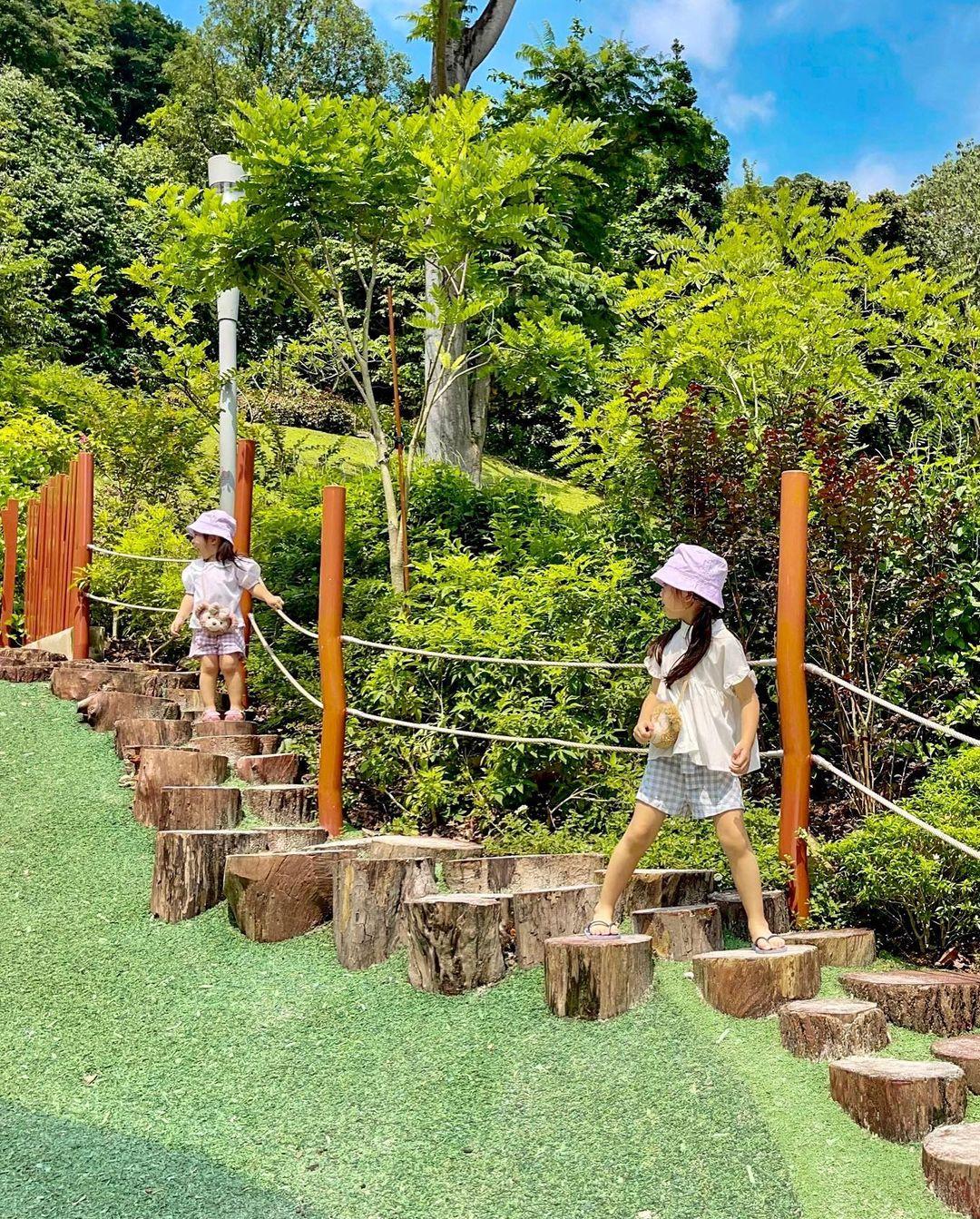 jubilee park nature playground
