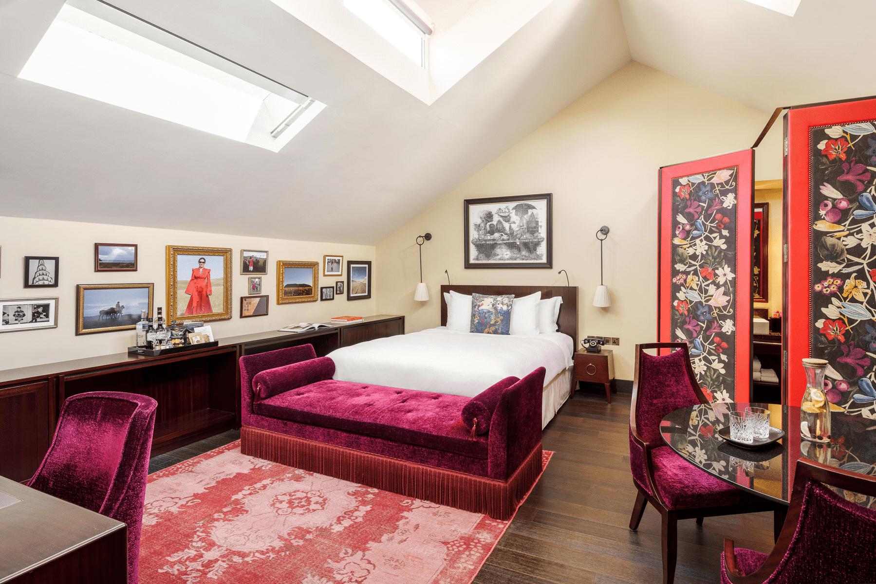 Vagabond Club Hotel - Junior Executive Club Suite
