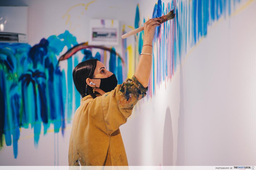 Artist Chloë Manasseh at work