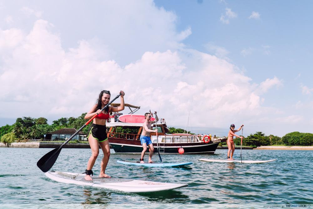 HK Junk Boat - paddle boarding