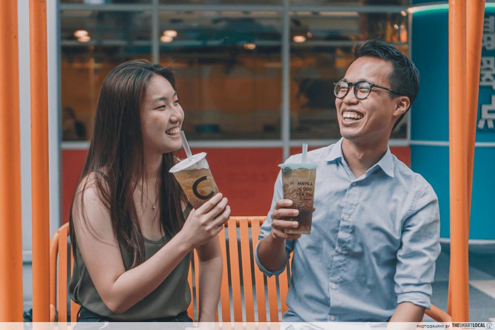 bubble tea friends couple