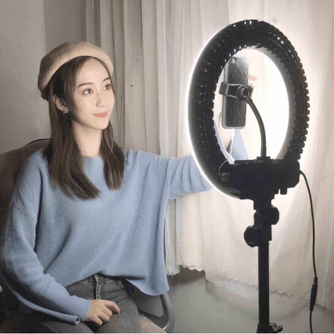 home photo studio - ring light