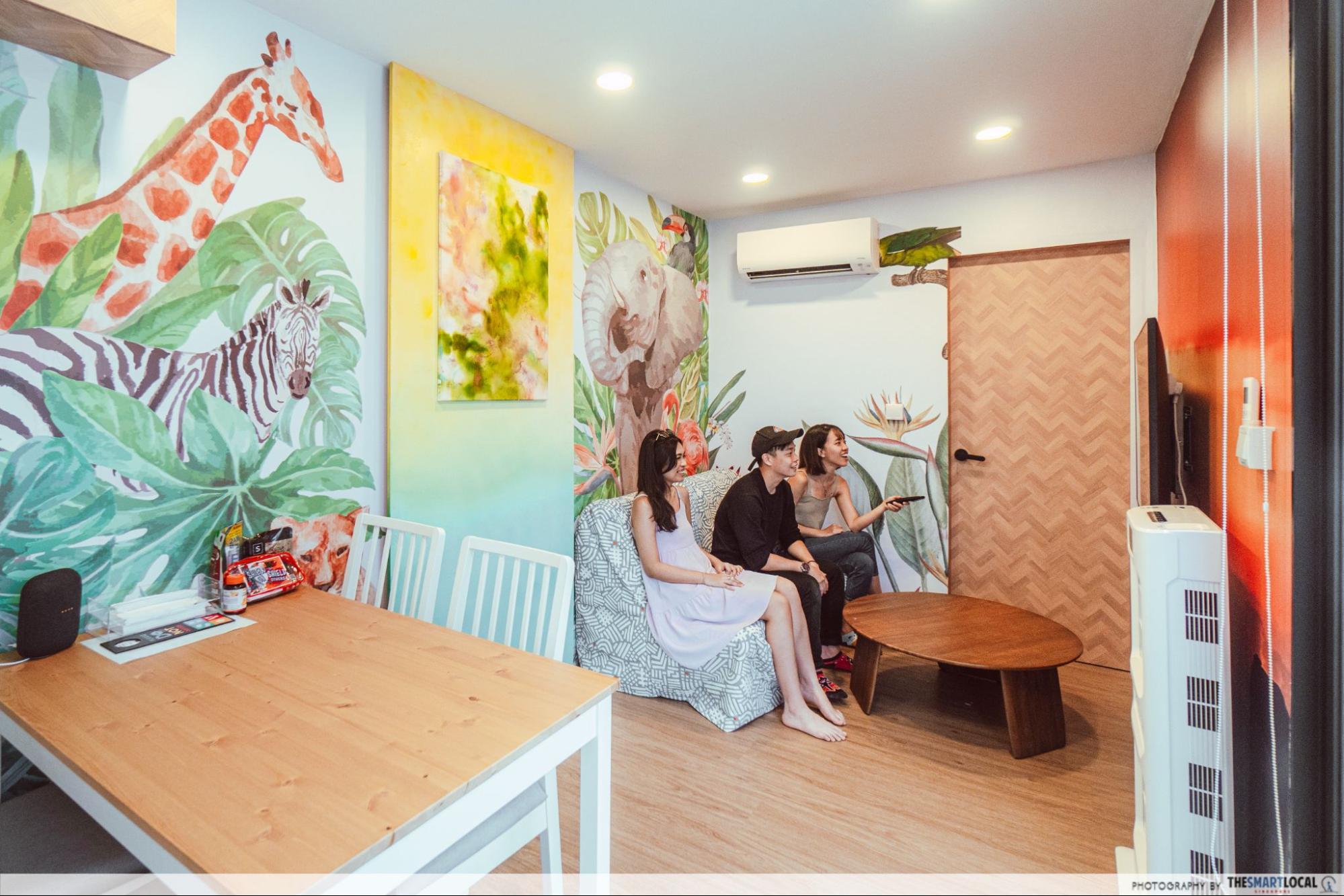 Roving container hotel in Singapore - Safari Paradise living room