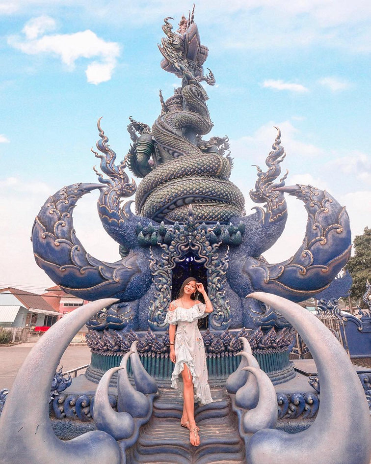 the blue temple chiang rai airasia thailand instagrammable